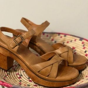 Vintage Tan Leather Wooden Clogs Size 8.5